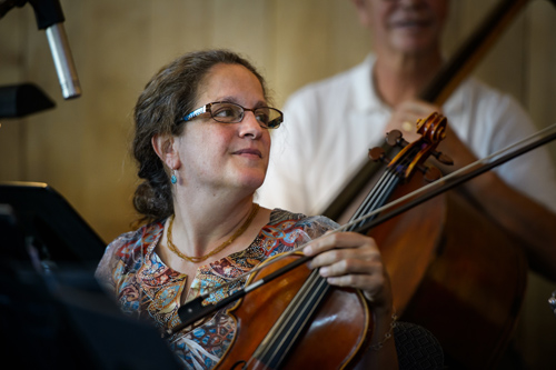Pam the violist. photo by Scott Bump