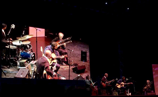 Six strings jamming in front of the big screen with Russell Malone, Anthony Wilson, Peter, Rodney Whitacre on bass and Willie Jones on drums. photo by Dan Atkinson