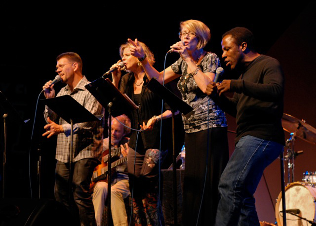 Peter and the vocalists! photo by Michael Oletta