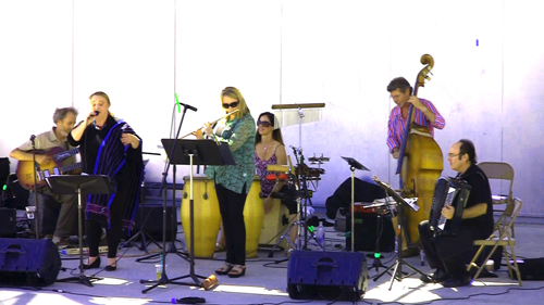 Latin jamming with Peter, Coral, Beth, Monette, Gunnar, and Lou. photo by Steve Grant