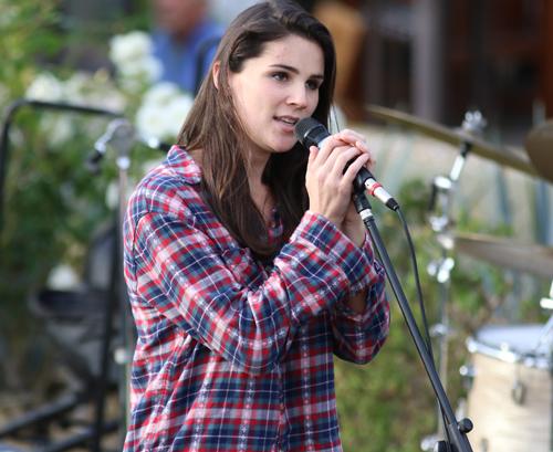 Nina Francis singing Dylan! photo by Kevin Kinnear